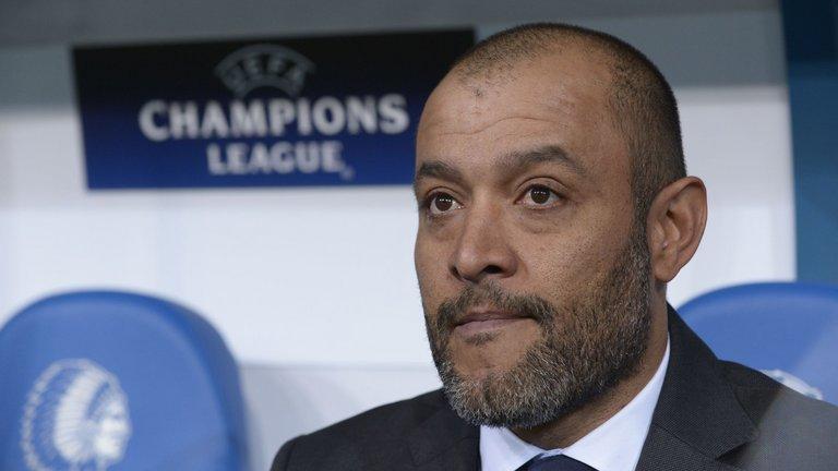 Manajer Valencia - Nuno
