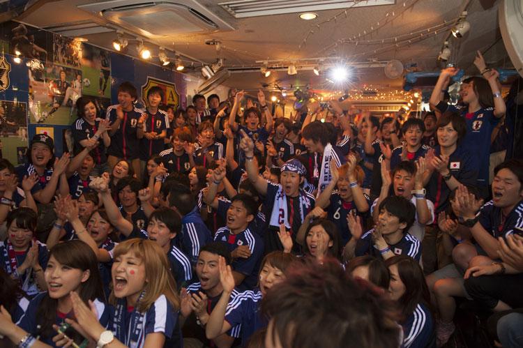 スポーツファン盛り上がりの写真