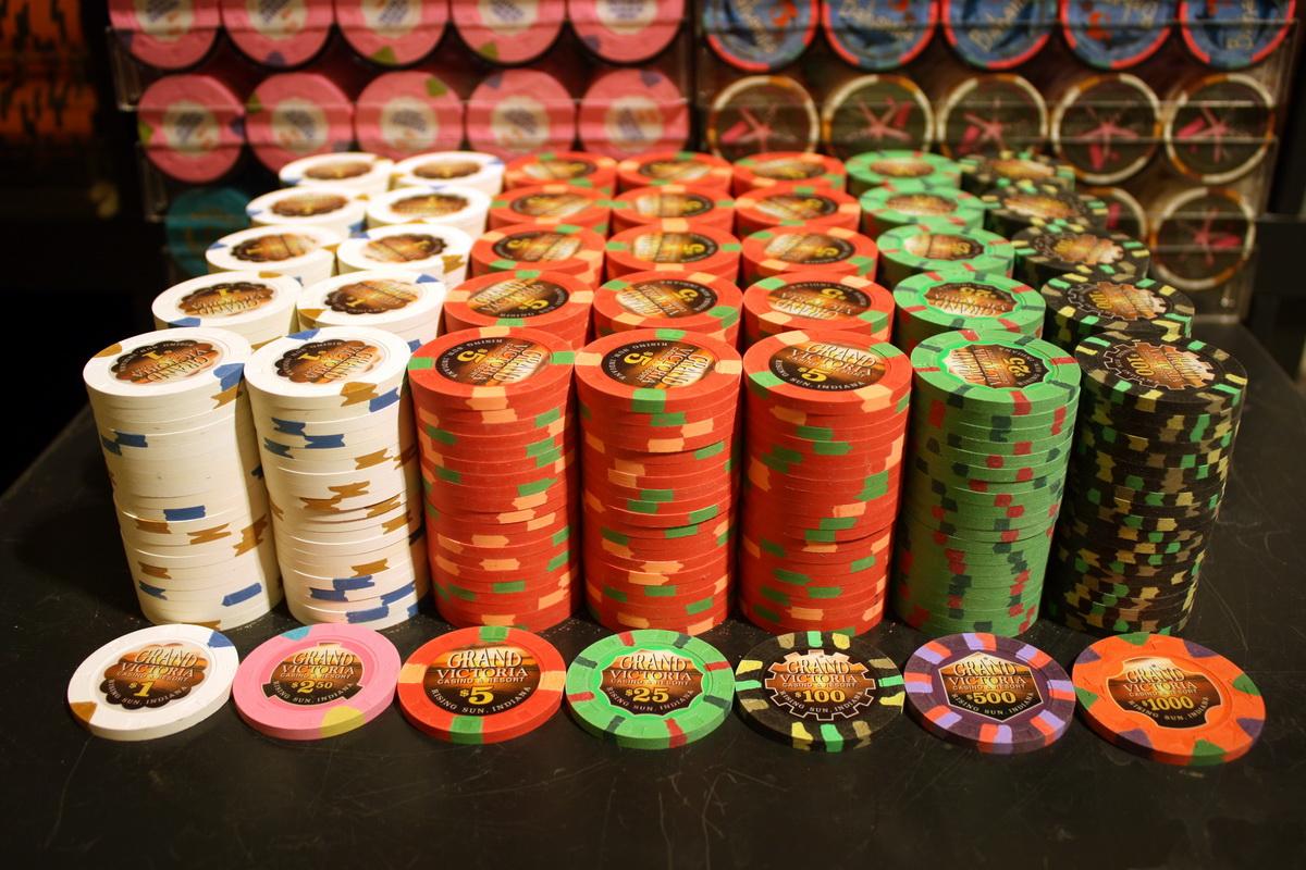 カジノの山積みコイン(チップ)