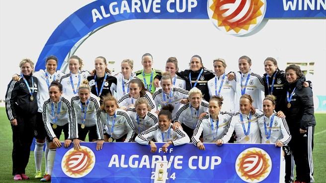 昨年のアルガルベカップ優勝写真(ドイツ)