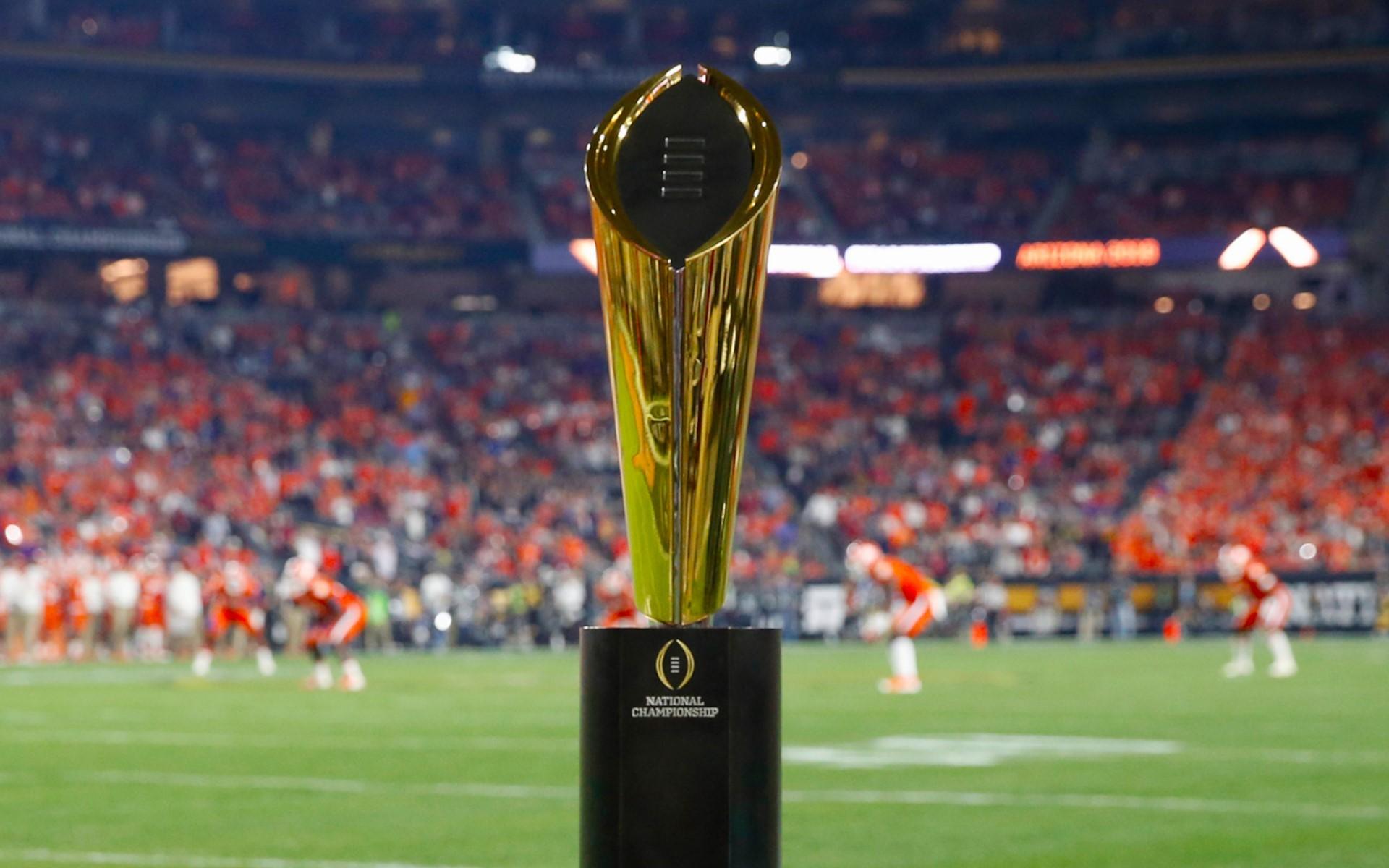 NCAAカレッジフットボール優勝杯