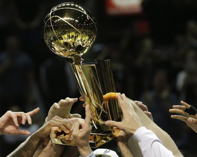 ラリー・オブライエン・トロフィー(NBA優勝トロフィー)
