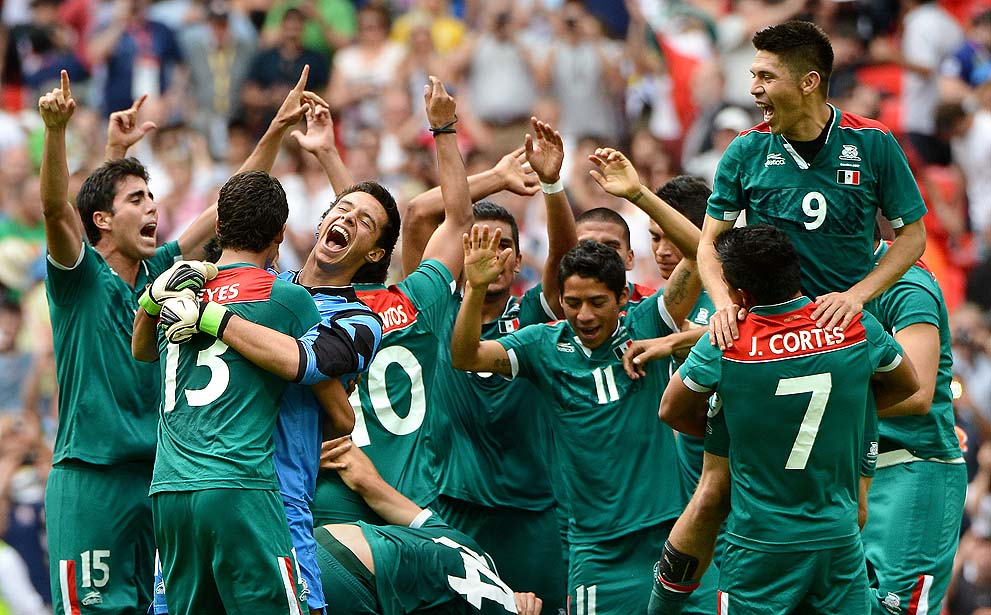 2012 London Olympics Gold Medal Soccer Team Mexico