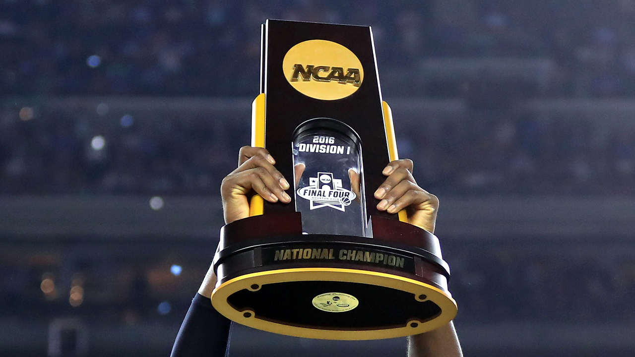 NCAA男子バスケットボール優勝盾